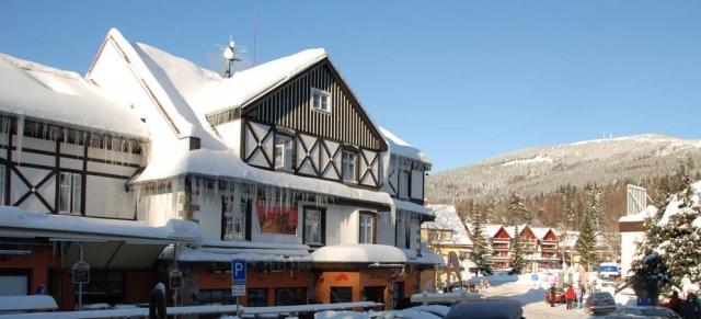 Hotel Lomnice ve Špindlerově Mlýně zve k návštěvě po celý rok