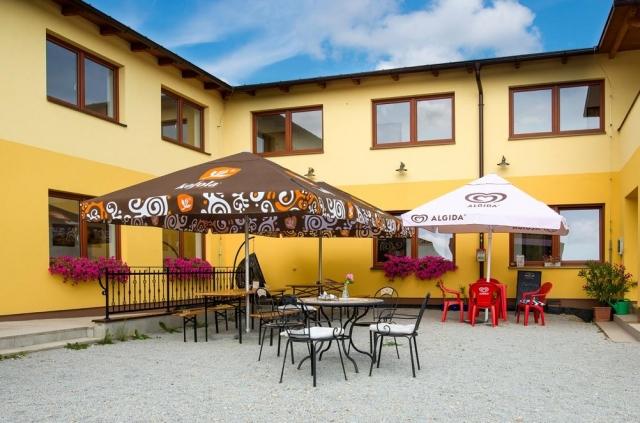 Penzion a restaurace Zlatovláska u zámku Červená Lhota